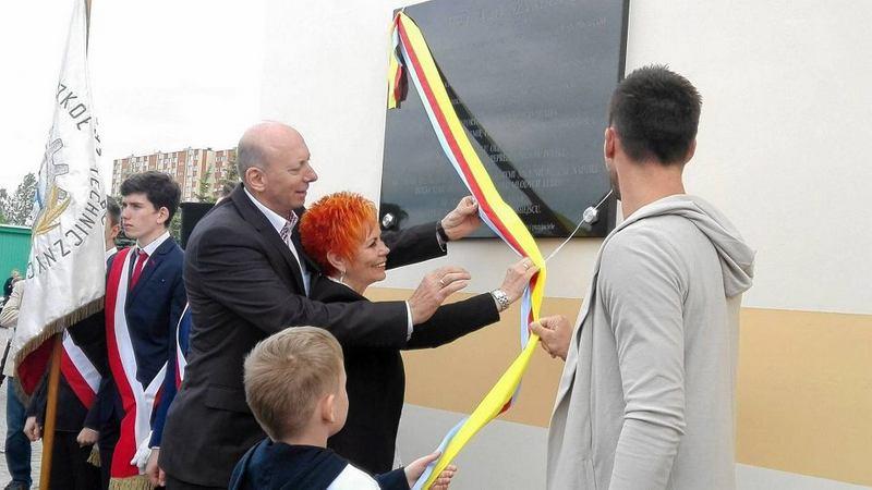 Fotografie z artykułu: Dzień Dziecka na Stadionie Miejskim i ... wzruszająca uroczystość.