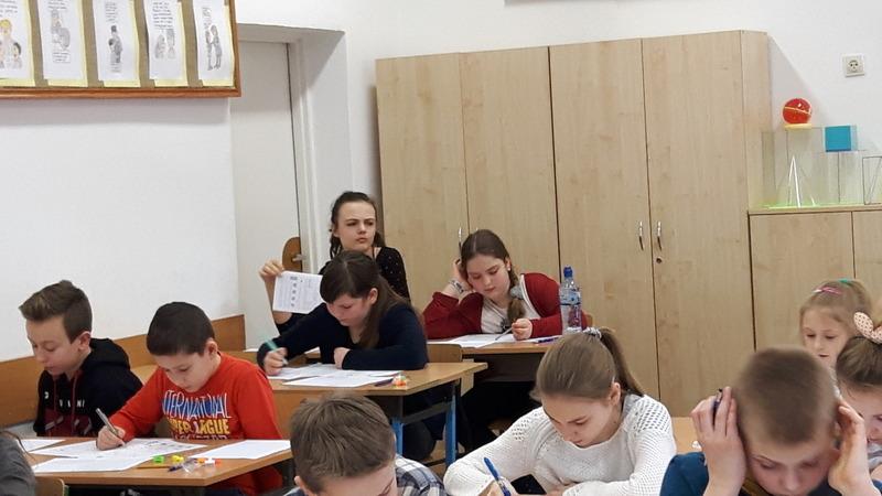 Fotografie z artykułu: Nasi matematycy kolejny raz wyróżnieni w Międzynarodowym Konkursie KANGUR MATEMATYCZNY
