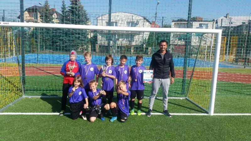 Fotografie z artykułu: Wygraliśmy I Turniej Piłki Nożnej o Puchar Dyrektora SP12