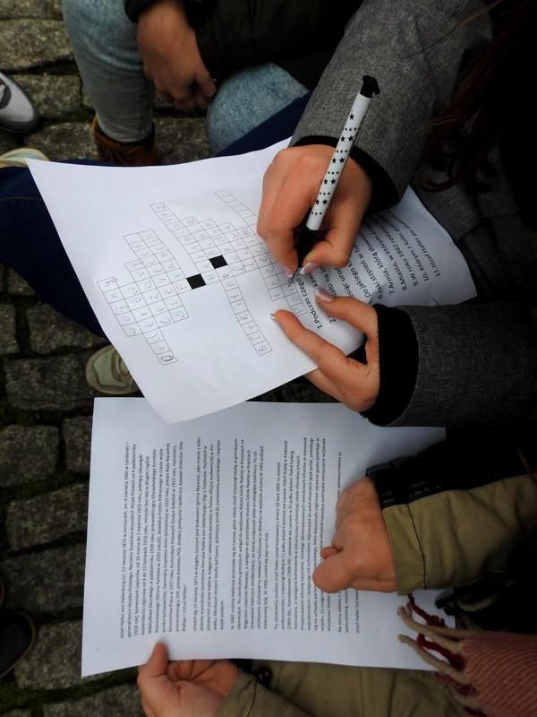 Fotografie z artykułu: 'Służba Ojczyźnie jest moim prawem' - 7B realizatorami projektu