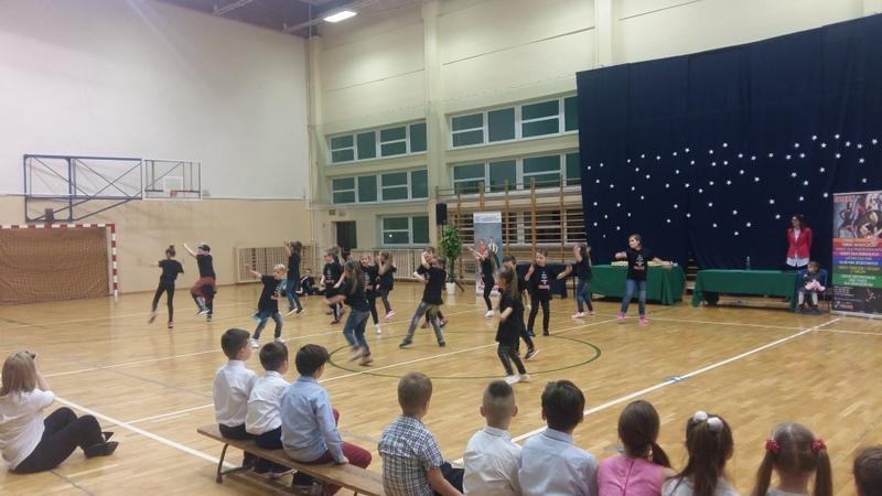 Fotografie z artykułu: Karnawałowy Turniej Tańca Towarzyskiego