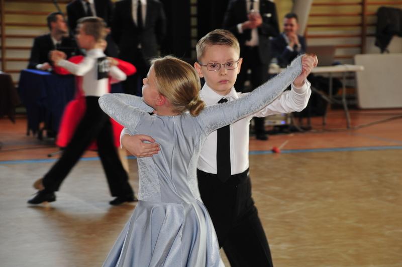 Fotografie z artykułu: Kolejne sukcesy taneczne uczniów IIIG