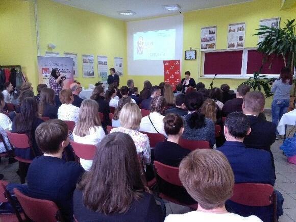 Fotografie z artykułu: Nasza uczennica w finale ogólnopolskiego konkursu 'Milion od Honorata'