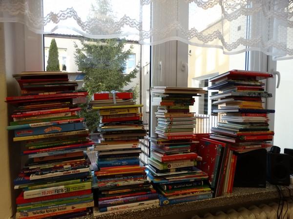 Fotografie z artykułu: Zebraliśmy rekordową liczbę książek dla dzieci z płockich szpitali!