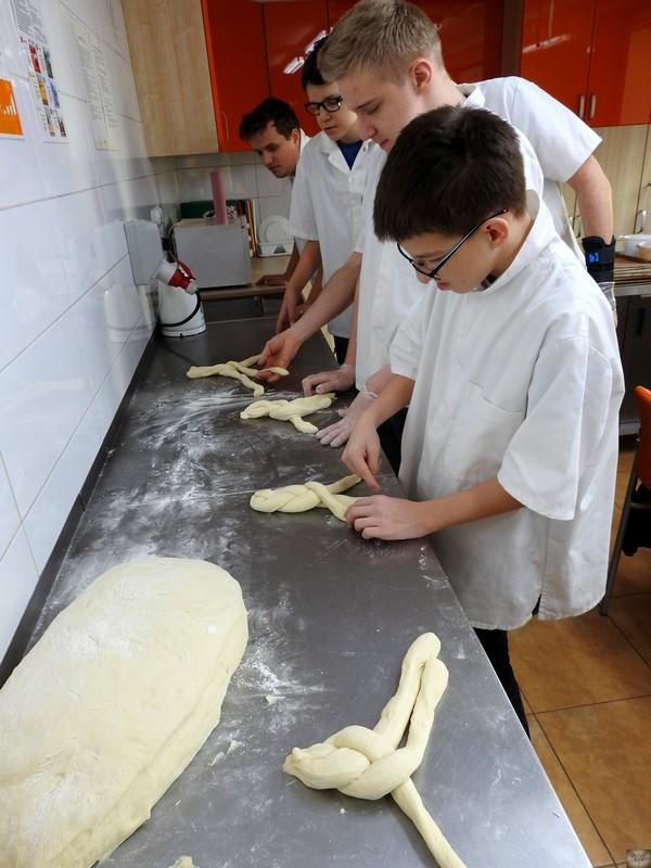 Fotografie z artykułu: A może będę piekarzem?