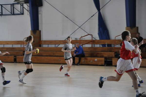 Fotografie z artykułu: I miejsce w II Ogólnopolskim Walentynkowym Turnieju Piłki Ręcznej.