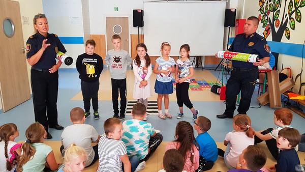 Fotografie z artykułu: Bezpieczni uczniowie naszej szkoły!