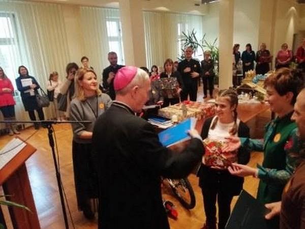 Fotografie z artykułu: Wręczenie nagród w Rodzinnym Konkursie Szopek Bożonarodzeniowych,