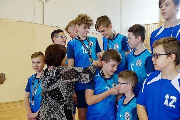 Fotografie z artykułu: Brązowy medal naszych siatkarek i siatkarzy