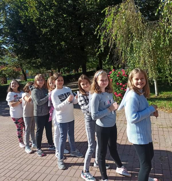 Fotografie z artykułu: Integrujemy się! - klasy 4c i 4s na 'Raczowisku'
